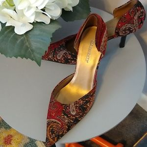 Highlights shoes size 7